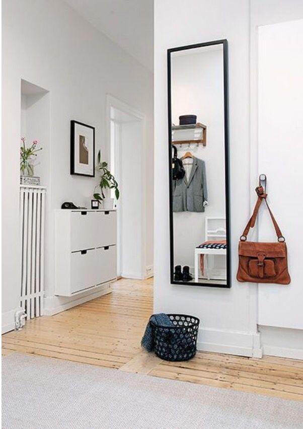 25 beste idee n over hal spiegel op pinterest ingangs plank entree en smalle gang decoratie - Moderne entree decoratie ...