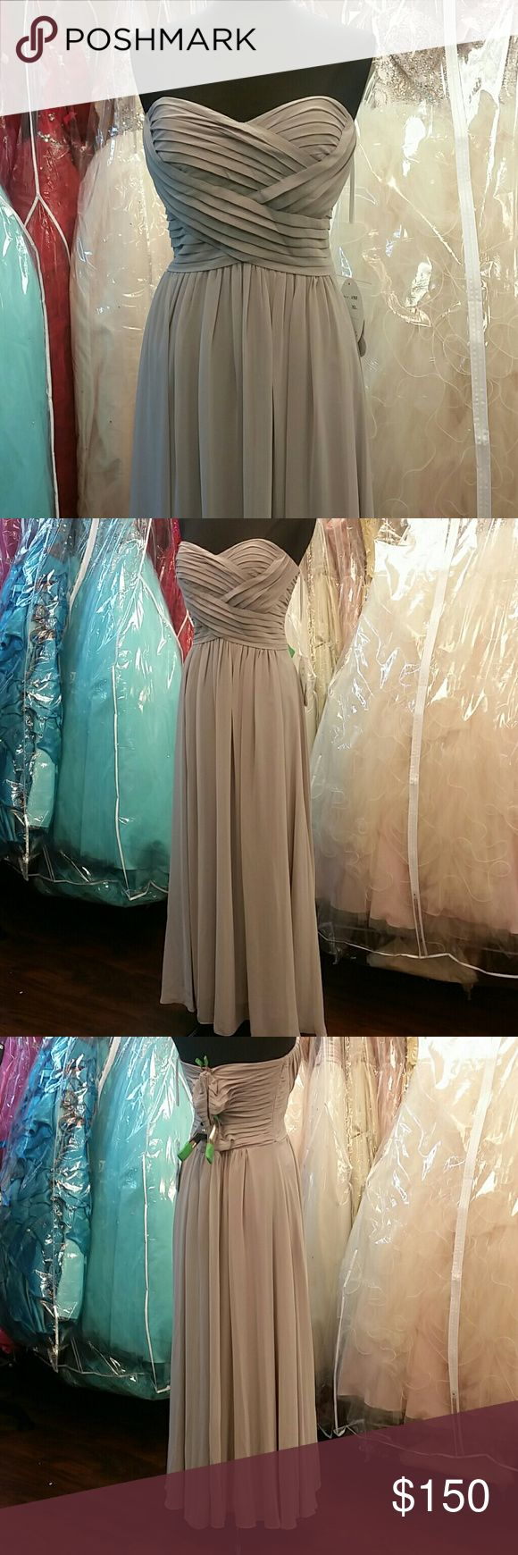 NWT Sweetheart Grey Dress Brand new, zipper back, strapless but includes optional straps, beautiful flowy chiffon, ruching across bodice, simple design, grey/gray dress, great for prom, homecoming, wedding, pageants, parties, or any formal event. Includes matching chiffon shawl. Sherri Hill for exposure. Sherri Hill Dresses