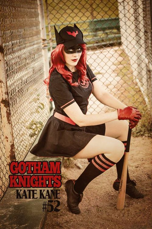 Bombshell Batwoman Cosplay http://geekxgirls.com/article.php?ID=3100