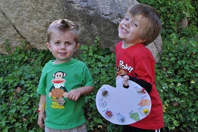 Fun Nature crafts for the boys!Colors Pallets, Nature Bracelets, Palettes Ideas, Scavenger Hunting, Spring Colors, Scavenger Hunts, Colors Palettes, Spring Crafts, Colors Scavenger