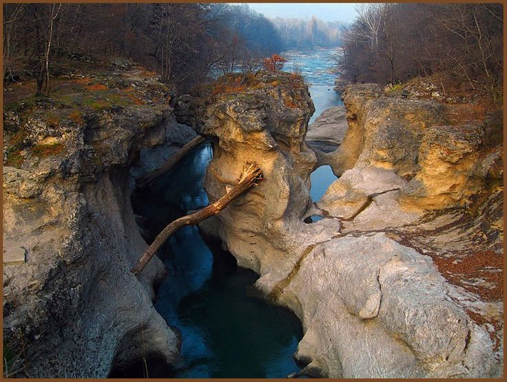 Хаджохская теснина, пос. Каменномостский, Адыгея. Adygea, Caucassia, Russia