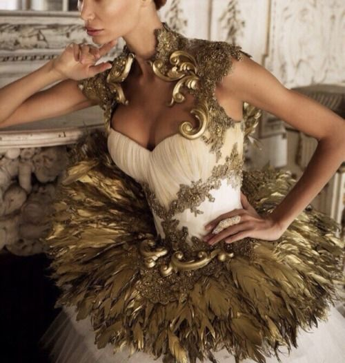 Chic Outfits, Fashion Outfits, Or Noir, Fantasy Gowns, Goddess Costume, Beautiful Gowns, Costume Design, Couture Fashion, Diy Clothes