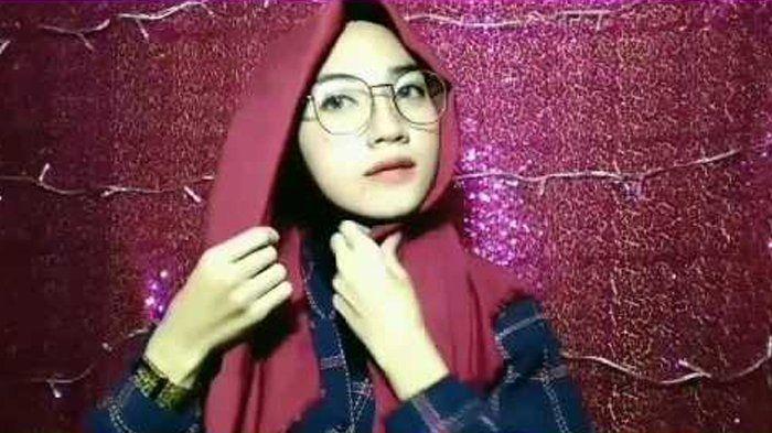Tutorial Hijab Segi Empat Rawis Untuk Remaja Hijab Remaja Gaya Hijab