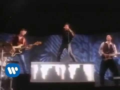 Ligabue - Balliamo sul mondo (videoclip)