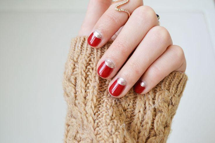 Manucure de Noel #Christmas #nailart #nails #red #gold http://lejoliblog.com/2015/12/22/manucure-de-noel-simple/
