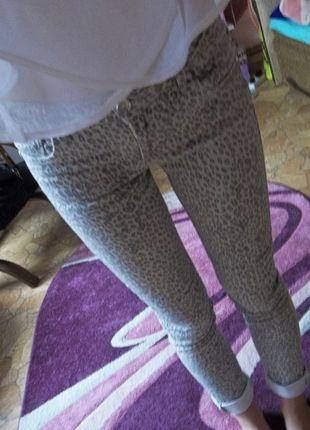 Kup mój przedmiot na #vintedpl http://www.vinted.pl/damska-odziez/rurki/9504702-spodnie-w-panterke-zara-must-have