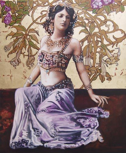 """Portrait of Mata-Hari. Margaretha Geertruida """"M'greet"""" Zelle McLeod, better known by the stage name Mata Hari, was a Dutch exotic dancer, courtesan, and accused spy who was executed by firing squad in France under charges of espionage for Germany during World War I. (1876 - 1917)"""