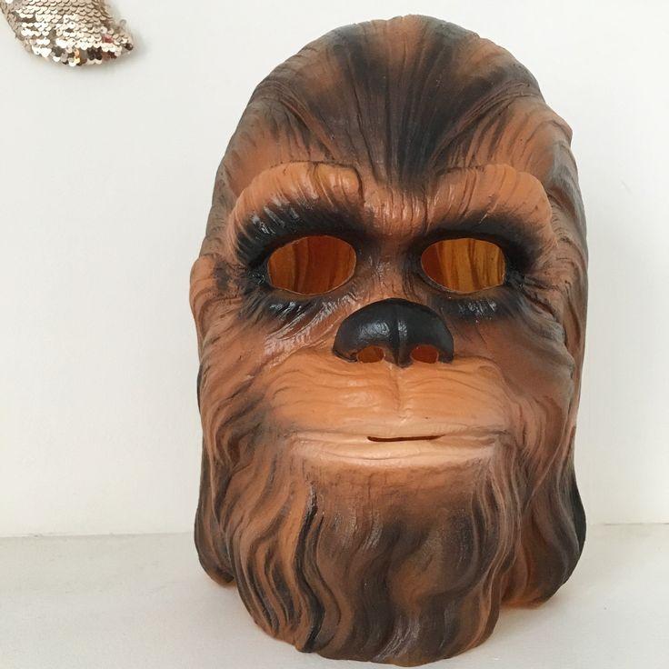 Orangevertevintage — Masque Chewbacca