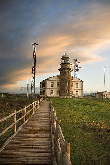 Faro Cabo Peñas. Galicia. España