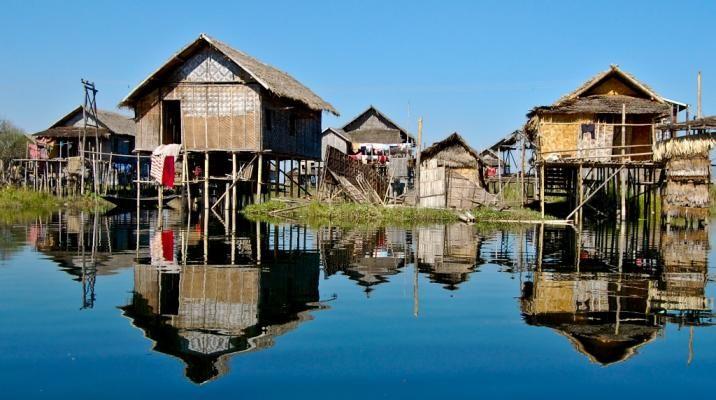 Huse på pæle på Inle søen, Burma