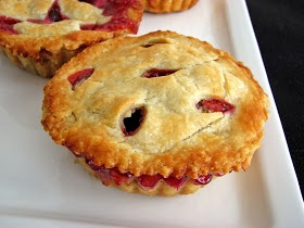 Grape pies- 4c. Grapes; 3/4 c. Splenda; 2 tbsp. tapioca pudding or corn starch and 3 tbsp water. Mix all ingredients and pour into a pie shell and cover with pie shell. Bake 350deg until crust is brown.35-40 min.