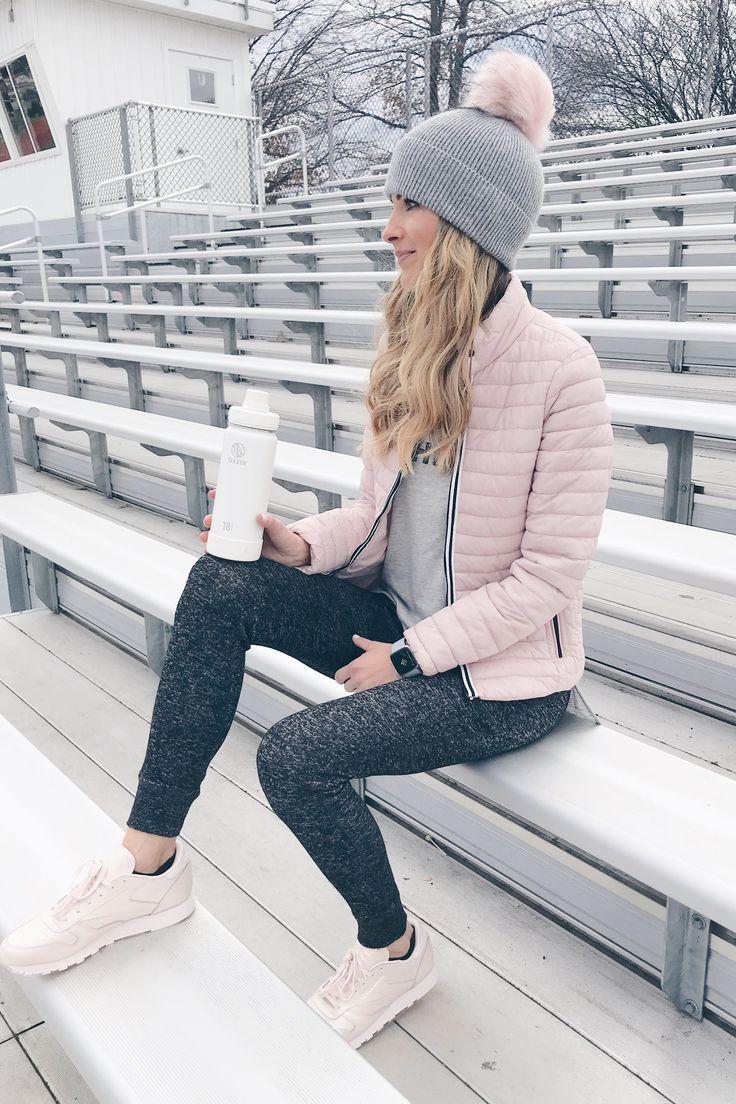 Winter Athleisure Outfit Ideen - Mode Frauen Club - #Athleisure #Club #Frauen #I...