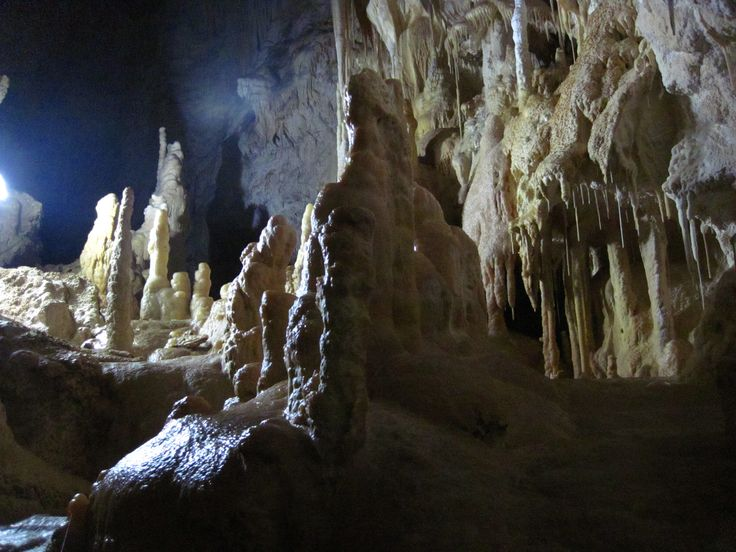 St Benedicts Caverns www.waitomo.co.nz
