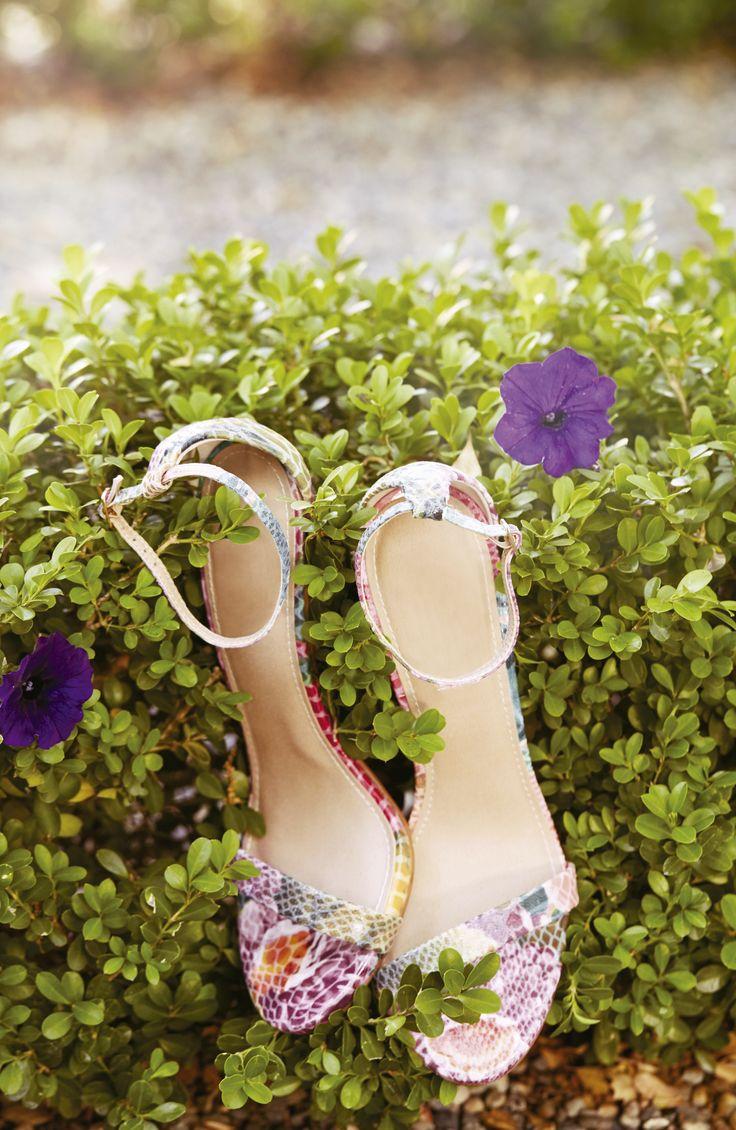 ¡El diseño de tus zapatos siempre resaltará tu look!  #IntoTheGarden #Outfit…