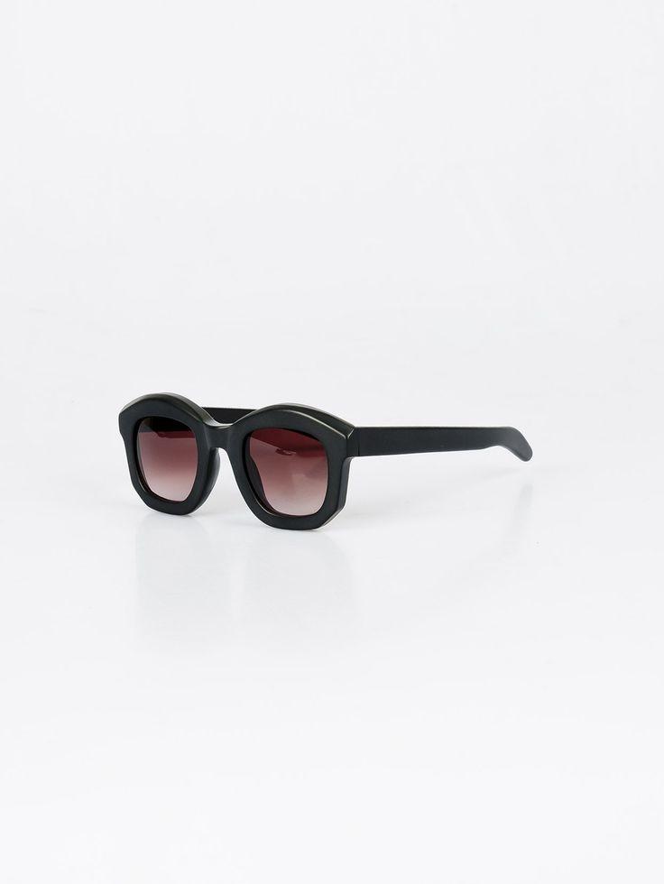 KUBORAUM , B1 Black Shiny Güneş Gözlüğü #shopigo#shopigono17#accessories#womenswear#menswear#fashion#sunglasses#style#colourful