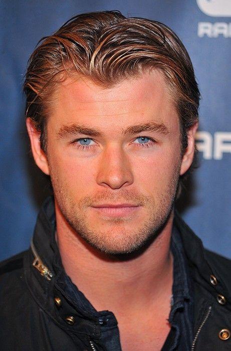 ♡ Chris Hemsworth ♡ that look!!!