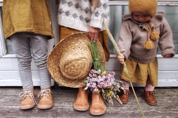"""447 Likes, 45 Comments - @kindisch on Instagram: """"Wir haben gestern wilde Blumen für Papa gepflückt, der nun endlich auch in Dänemark angekommen ist.…"""""""