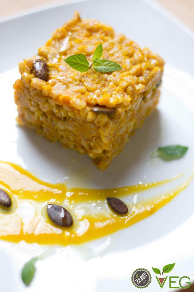 Il #farro con zucca alla #curcuma e menta è pensato sia come idea per un antipasto diverso dal solito o come piatto unico!
