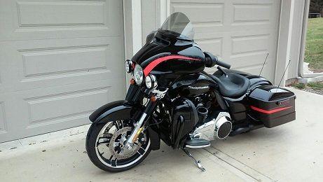 Annonce occasion Harley-davidson 1690 Dyna Street Bob Special Edition de 2012 4000.00 euros - km - département 76 - Moto Station