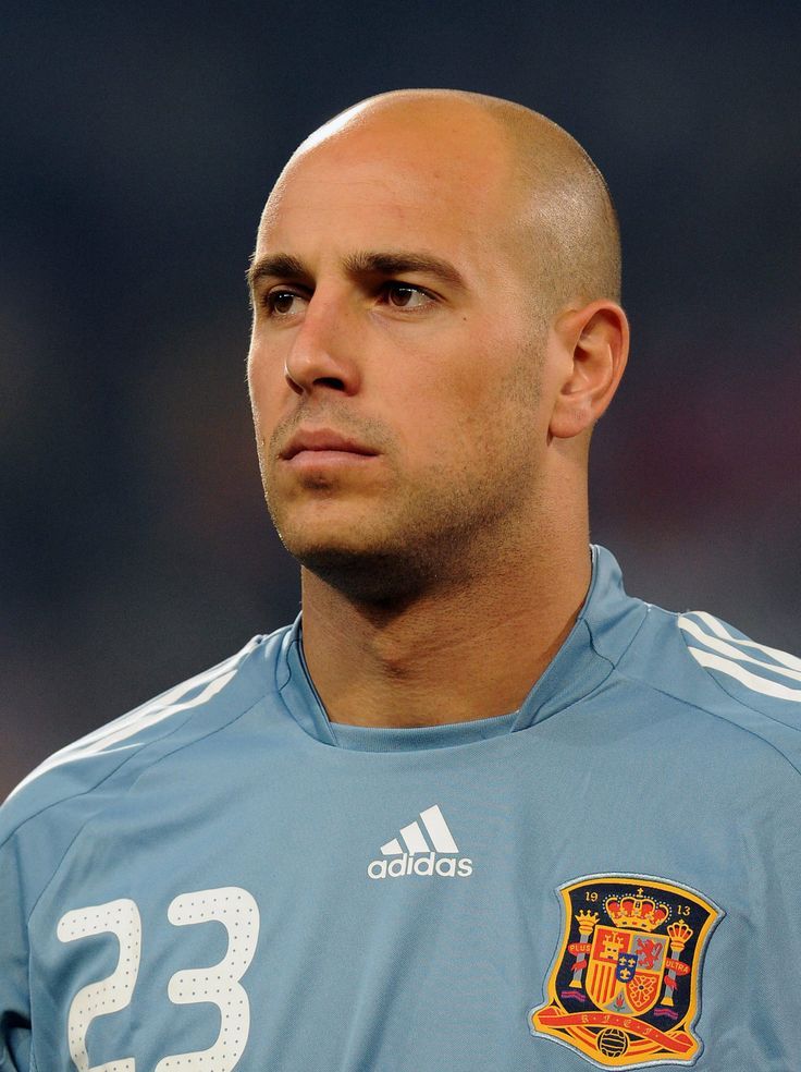 http://wallpapersoccer.tk/pepe-reina.html Pepe Reina : Footbal Player Photos
