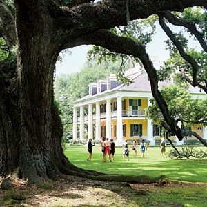 Louisiana | Road Trip from Baton Rouge to New Orleans, This is Houmas House | SouthernLiving.com