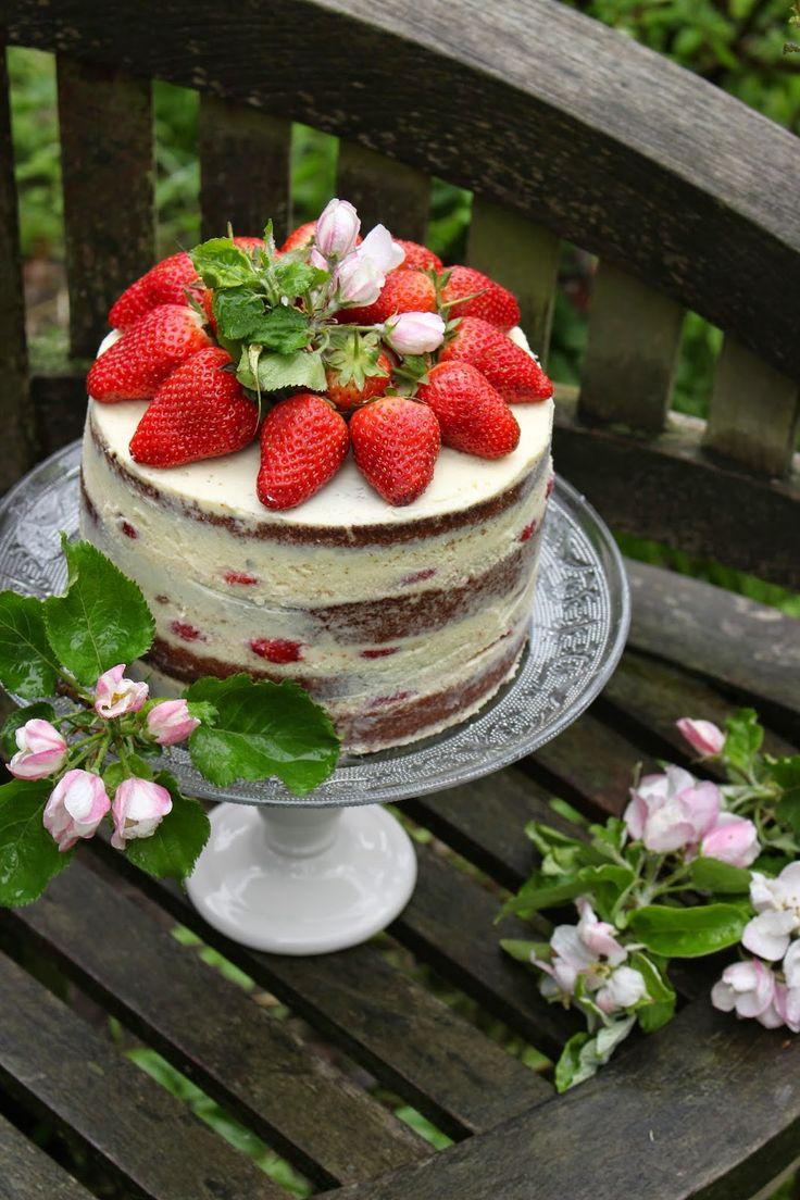 TORTEN LUST: {Rezept} Naked Cake = Erdbeer-weiße Schokolade-Buttermilch-Torte
