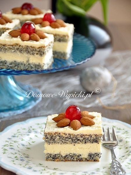 Mazurek makowo- kokosowy: Glorious Food, Cakes Cookies, Easter Cakes, Coconut Buttercream, Coconut Makowo, And Coconut Fillings, Coconut Cakes, Food 3, Polish Desserts
