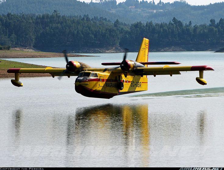 Le Canadair CL 215 est le seul avion citerne conçu spécifiquement pour combattre les feux de forêt. Très bien adapté à la géographie du Québec d'où il origine (Montréal), il peut se poser, outre les innombrables lacs du Québec, sur n'importe point d'eau -mers, rivières, etc- d'où il peut se ravitailler en eau. Il est actif de nos jours dans plusieurs pays dont le Canada, les États-Unis, la France, la Turquie, etc.