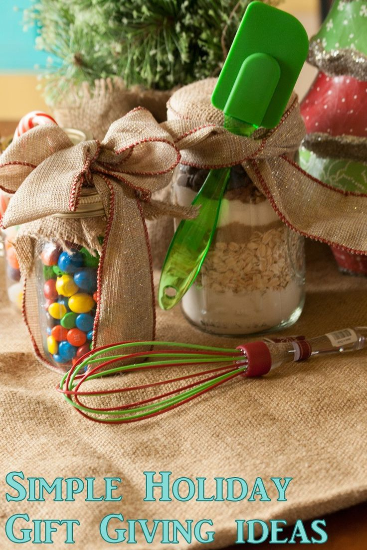 Simple foodie gifts for the holidays. Make gifts for friends, neighbors, and loved ones.