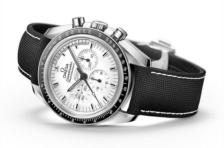 This limited edition OMEGA Watches Speedmaster Apollo 13 Silver Snoopy Award timepiece celebrates the 45th anniversary of the Apollo 13 mission and the ‪#‎Snoopy‬ Award Omega received upon the safe return of our astronauts.
