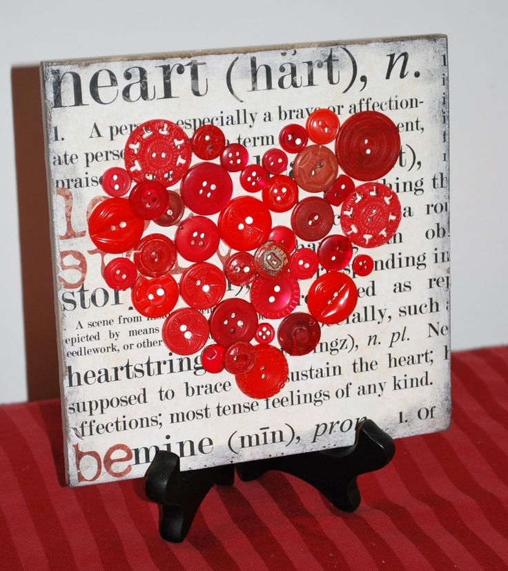 Mama's Crafts: Button Art Heart...nice tutorial. She mod-podged a tile with Valentine paper.