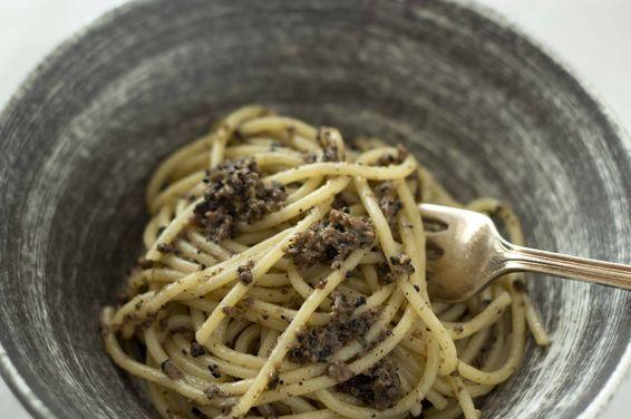 Spaghetti with Black Truffle Sauce (Spaghetti al tartufo nero di Norcia) – Umbri, a recipe on Food52