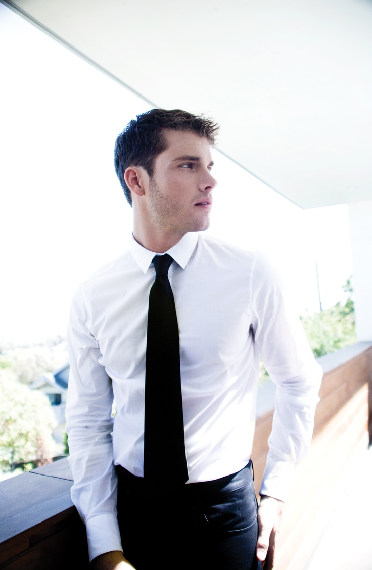 Jon McLaughlin - one of my favorite singers of all time AND he's easy on the eyes...