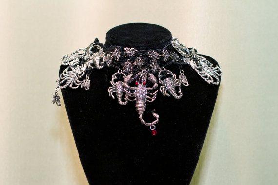 Collana girocollo in Scorpione - Penny Dreadful Vanessa Ives ispirazione gotico vittoriano girocollo