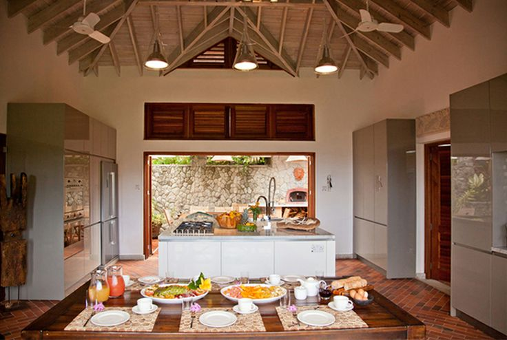 A stunning villa in the caribbean by Nomade Architettura.   #nomadearchitettura #design #interiors #interiordesign #luxury #decor #luxurylife #caribbean #villas