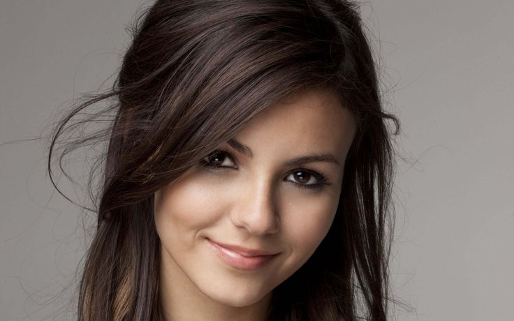 Dream Cast: Victoria Justice as Jeanne Marchand;  Jeanne Marchand; granddaughter of Edward Durant raised in France as a lady's maid to hide from Georgiana Durant Hamilton; tough as nails, street smart, hardworking and compassionate; orphaned in fall of St. Barbe; half-sister and nemesis of Isabelle Hamilton Gaillard. Eyes on James Reynolds.