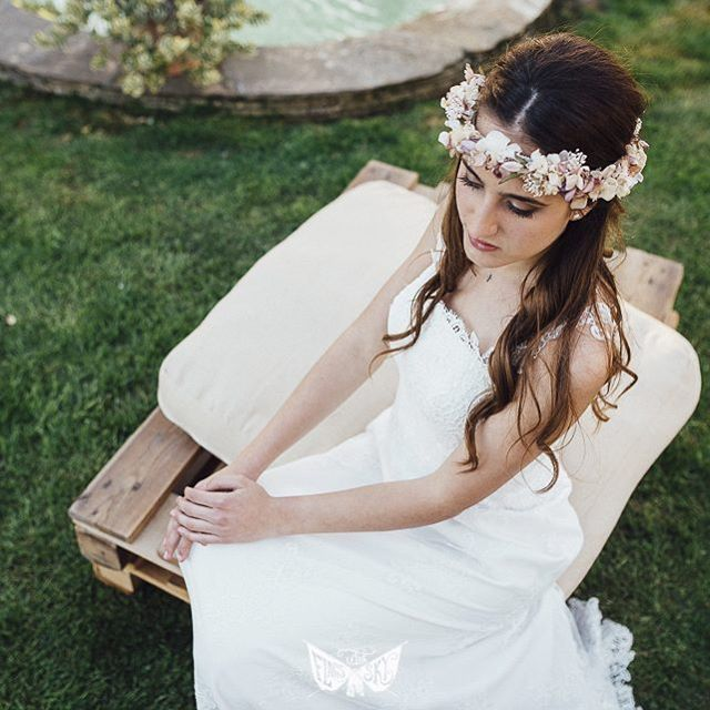 • PURE LOVE • 💛 Pide tu cita en @lavetis.es llamando al 933 606 536 o enviando un e-mail a info@lavetis.es Descubre el UNIVERSO L'AVETIS para novias diferentes... #lavetis #lavetisnovias #vestidosdenovia #weddingdresses #barcelona #atelier #hautecouture #altacostura #brides #novias #bodas #weddings #style #bohochic #floralcrown #handmade #garden #catalunya