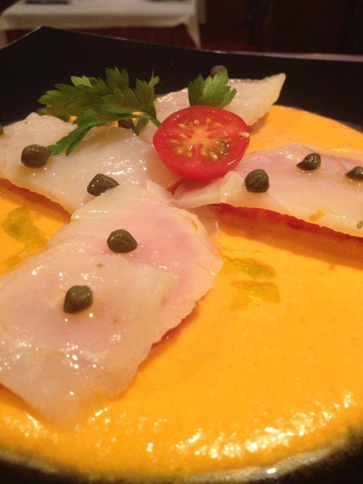 Carpaccio de bacalo sobre salmorejo. En Restaurante San Marcos (Seville-Spain)