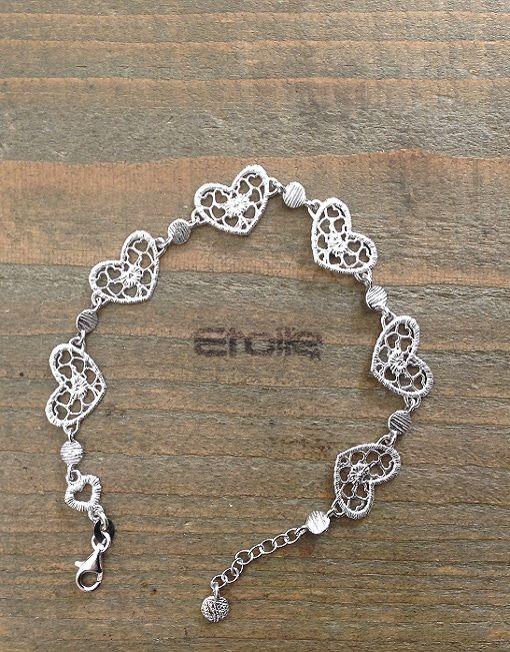 Bracciale in argento con #cuori