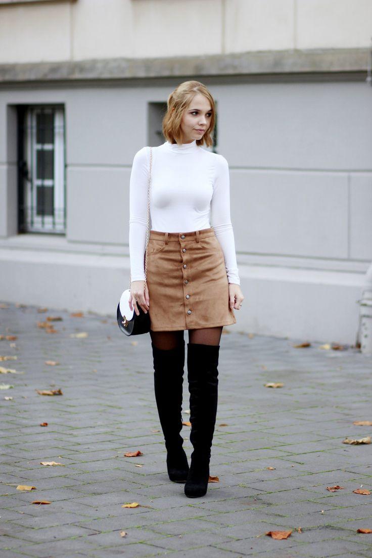 bezauberndenana-fashionblog-outfit-streetstyle-brauner-wildlederrock-weißer-rollkragenpullover-overknees-70s (3)