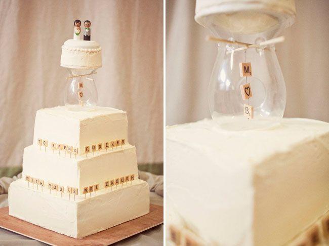 Casamento temático Scrabble: Bolo de casamento com a temática Scrabble.