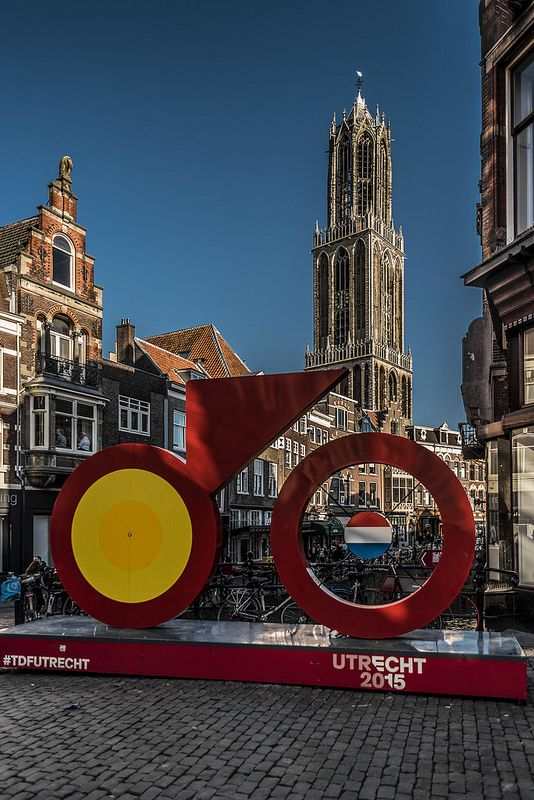"""108/365. The start of the Tour de France is in Utrecht next month. """"Le Grand Depart"""" Very happy with the DR. Me and the artwork were in the shade. The shadowslider performed almost a miracle."""