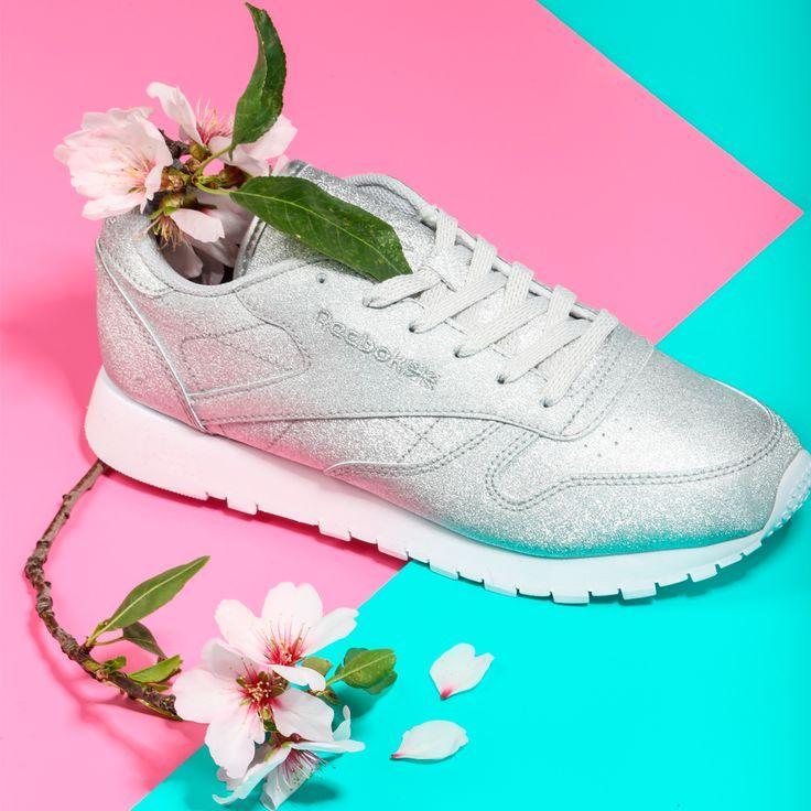 Chicas, no os perdáis la colección Diamond de Reebok  ¡Os va a encantar! Disponible ya en nuestras tiendas y en https://www.zapatosmayka.es/es/catalogo/mujer/reebok/deportivos/zapatillas/121015063246/cl-leather/
