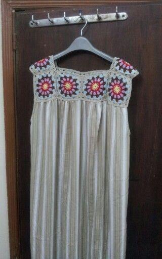 crochet yoke grany sqare - would be nice in white