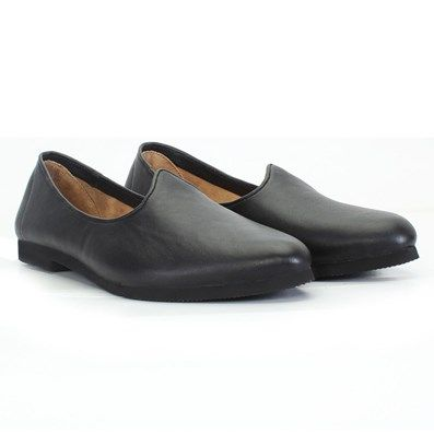 BUY BLACK LEATHER #JALSA SLIP-ON WITH BLACK SOLE BY BARESKIN AT Rs. 999/- #voganow.com