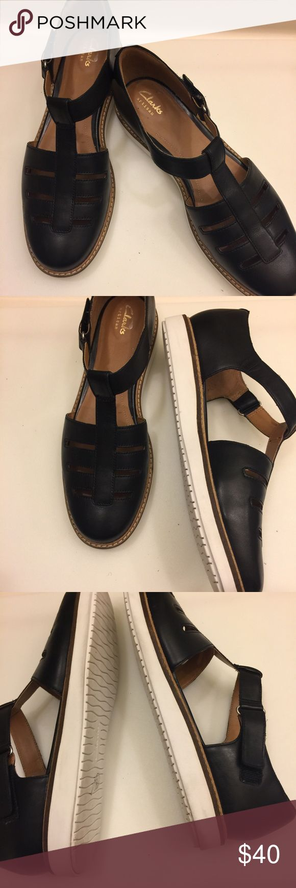 Authentic Clarks Artisan Sandals Authentic Clarks Artisan Sandals in  excellent preowned condition. These sandals was