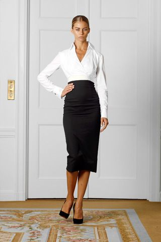 love the shirtFashion, Beckham Collection, Dresses Collection, White Shirts, Victoria Beckham, Spring Collection, Black White, Work Outfit, Black Pencil Skirts