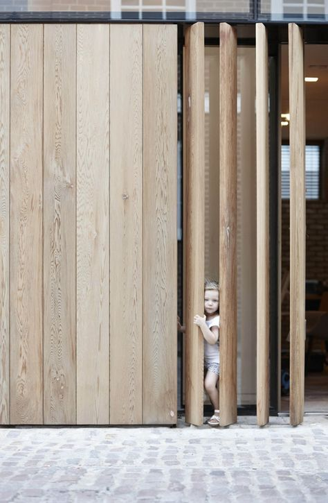 | DETAILS | VERTICAL LOUVERS | d-raw | London mew's development | d_raw : architectural and interior design collective