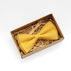Bright yellow tie Br