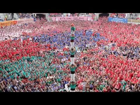 For photography tips and more, check out my blog www.randolphimages.com In the city of Tarragona, Spain, castellers gather every two years to see who can bui...